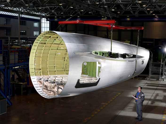 Industriereportage bei der Ruag Aerostructures, einem Hersteller von Komponenten für die Luftfahrt. Rum3pfteil CRJ-3