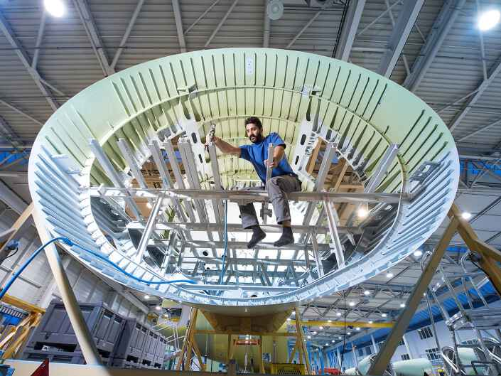 Industriereportage bei der Ruag Aerostructures, einem Hersteller von Komponenten für die Luftfahrt. Rumpfsektion eines Airbus.