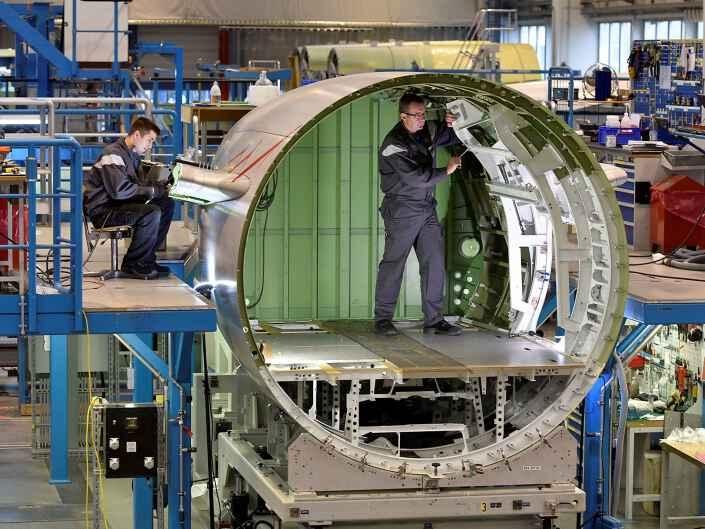 Industriereportage bei der Ruag Aerostructures, einem Hersteller von Komponenten für die Luftfahrt.